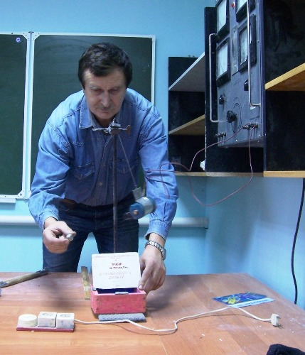 Самодельные приборы физике