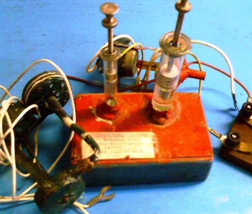 Простые приборы по физике своими руками